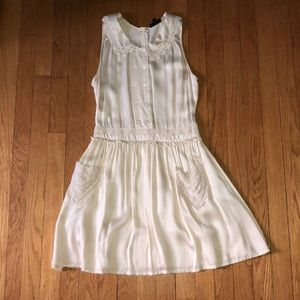Topshop size 4 Cream dress with lace accents